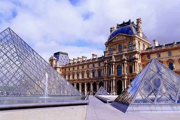 法国教育预算超500亿欧元 将实行教改措施
