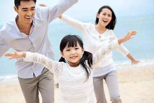 欧美家庭模式受日本青睐 自己孩子自己带