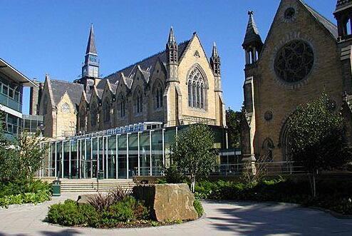 利兹大学调整硕士课程申请截止日期