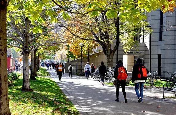 加拿大留学 这些专业容易申请