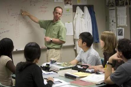 德国大学教授涉嫌向中国留学生乱收费