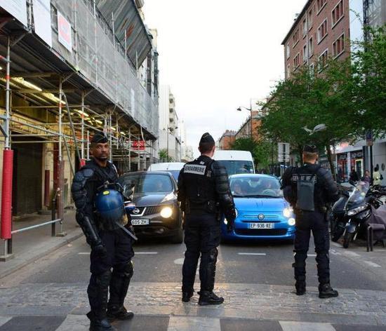 巴黎占校运动发酵 警方出动校区清场