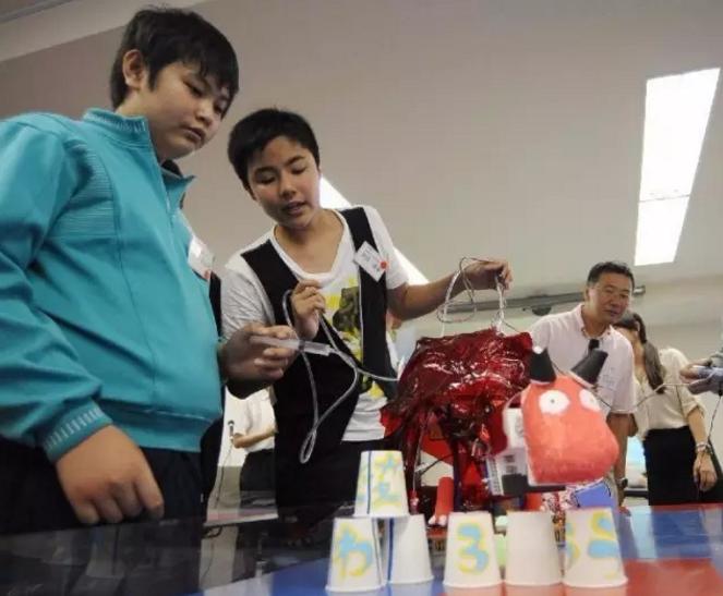 """日本从""""机器人课程""""传递教育理念"""