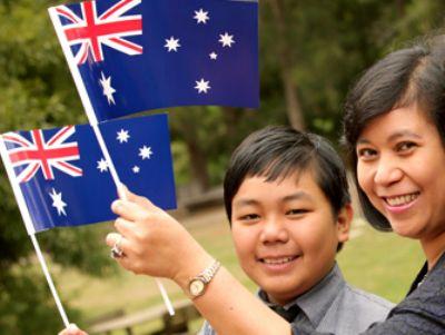 澳媒:移民将我们从全球金融危机中救出