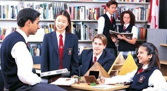 美国校长都看不下去了,呼吁政府重视留学生权益