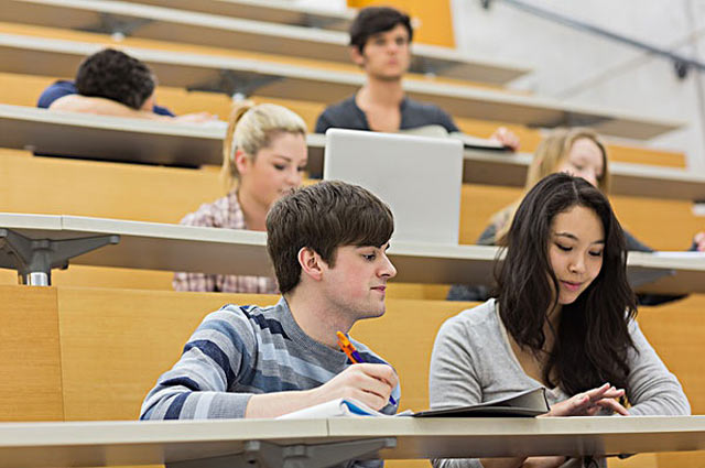 中国成为法国留学生最大来源国 学费低乃重要因素