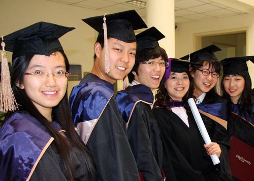 2015最受中国学生喜欢的美国大学和专业