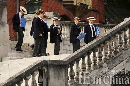 中国学生抢滩英国一流公立中学?公校私校大不同