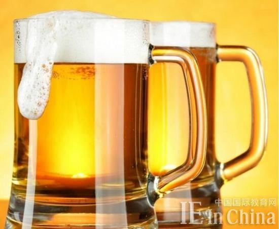 美国精酿啤酒行业火爆 大学网络课程受青睐