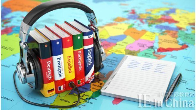 """""""中考""""外语遇冷 学外语被纳入英国人新年目标"""
