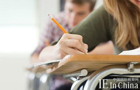 三方面简析美式VS英式大学教育有何不同