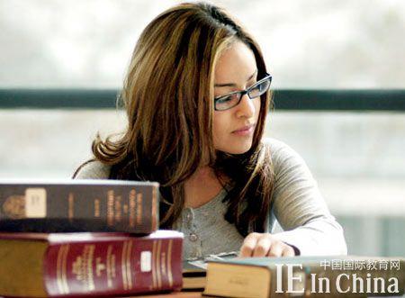 国际学校学生必读:SAT失公平 AP成绩成标准