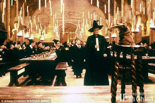 英国校园崇尚复古 牛津大学因《哈利波特》受追捧