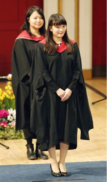 日本公主出席英国大学毕业典礼