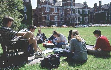 肯特大学一年制TOP-UP本科课程录取要求