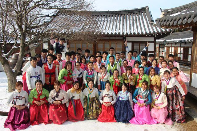 学生代表团赴韩国四所高校访问
