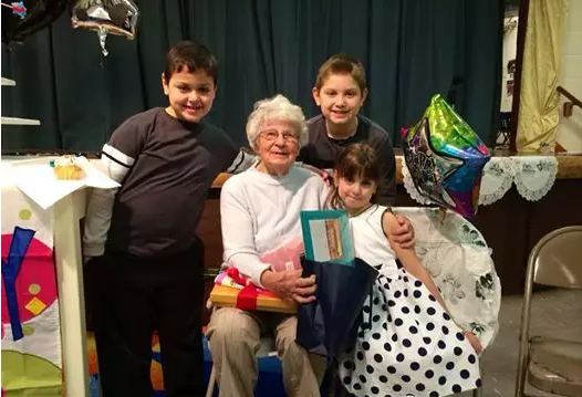 全美年龄最大的老师 102岁还没打算退休