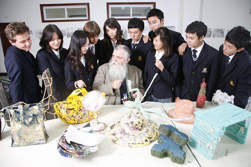 外媒:国际学校成家长新宠 西式教育压力较小