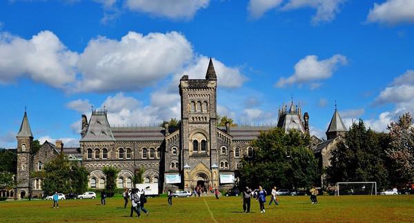 加拿大留学多伦多 PK UBC