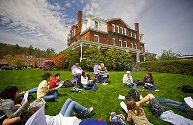 美国高中留学申请时间
