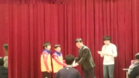 首届韩中青少年足球冬令营开幕
