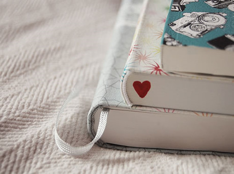 小说阅读中的重要元素:背景、文章基调
