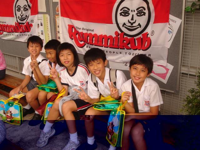 香港学生饱受课业压力困扰 缺乏沟通减压渠道