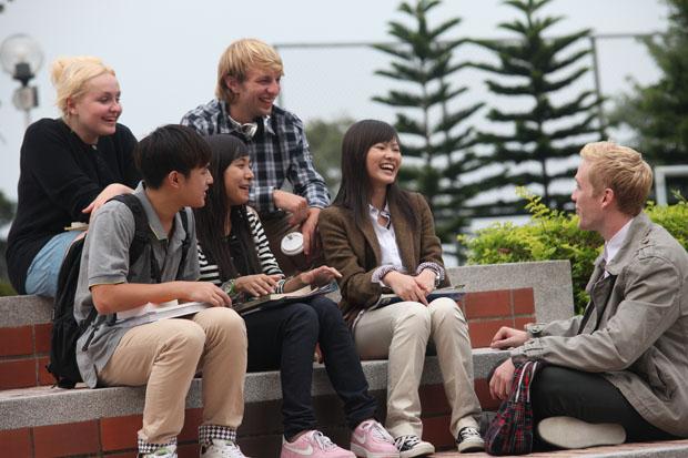 中国学生青睐赴英学艺术