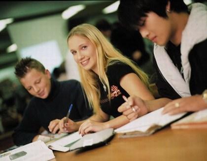 在马来西亚读大学的六大优势