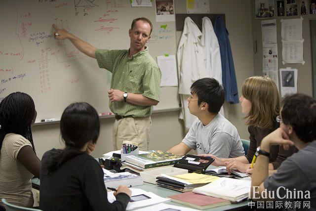"""中国留学生""""占领""""美国高校问题不能忽视"""