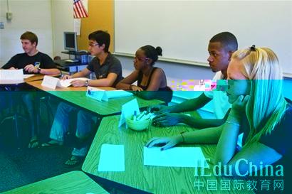 美国高中留学申请新规 推荐信分量为何加重