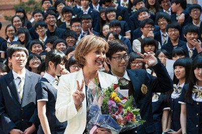 孩子出国留学  家庭要提早进入留学应对状态