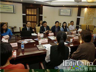 美国AdvancED认证机构专家  到访上海中学国际部