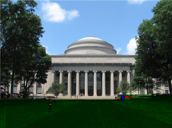 MIT女孩:大学喜欢独特的申请者