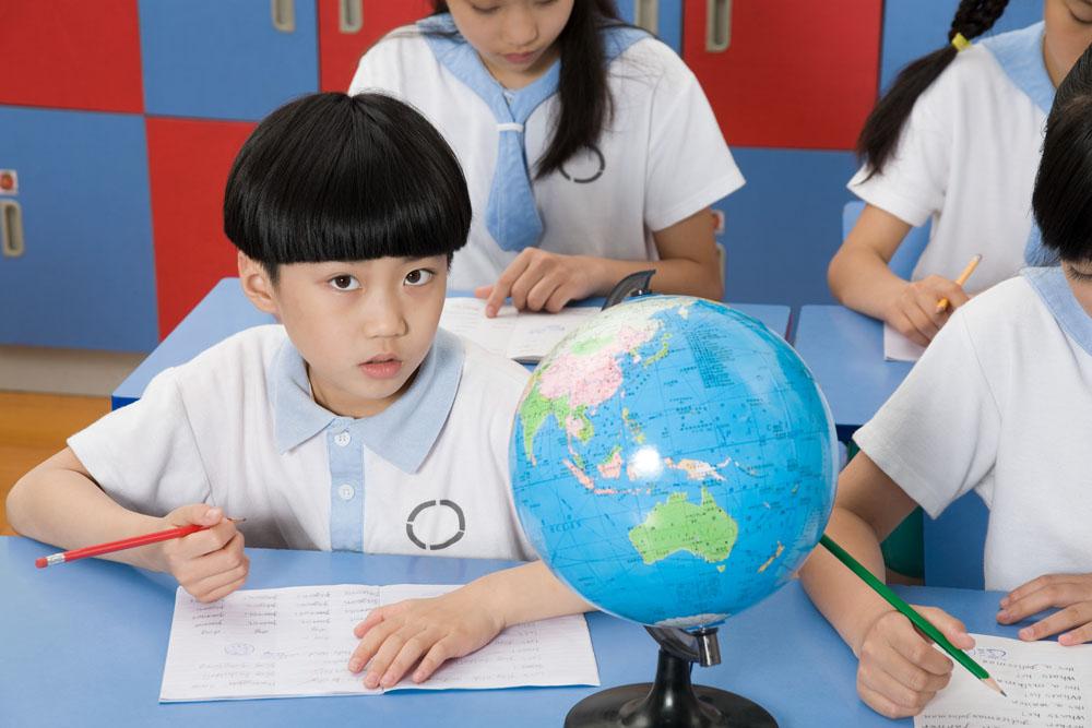 直击中国学生痛点  攻克低龄留学三座大山