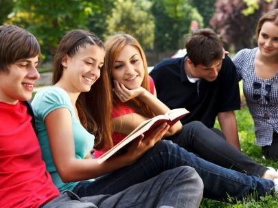 """上海成立6家国际学生服务中心 开通""""留学上海""""多语种网站"""