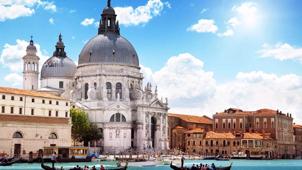 高考分数达专科线   即可免费申请意大利公立大学