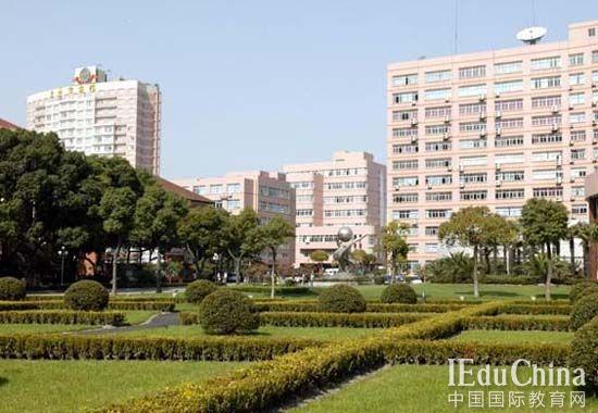 上海国王国际高中 为何分2年制和3年制