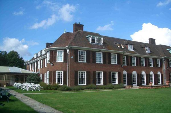 惊呆:英国学区房价格竟然这么高!
