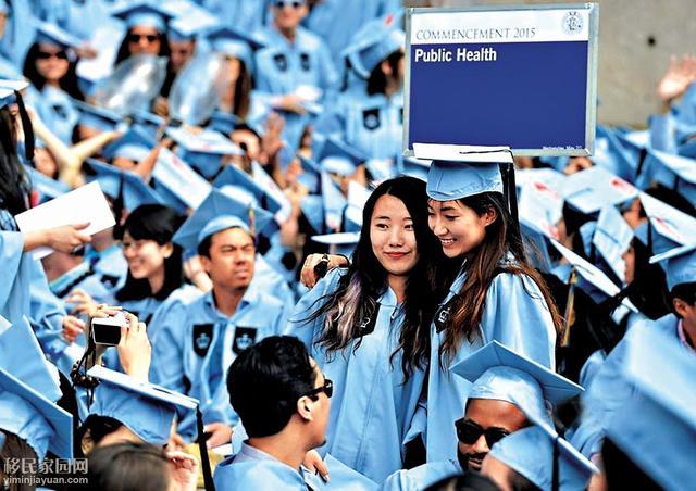 美国大学迎接30万中国学生 边数钱边挠头
