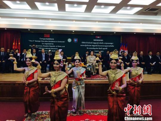 2016年广西教育展成功举办 多重奖学金吸引东盟留学生