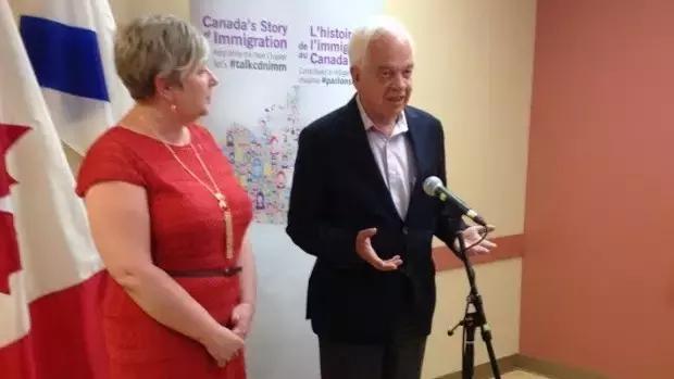 加拿大移民部长8月访问中国 留学新政将于秋季公布