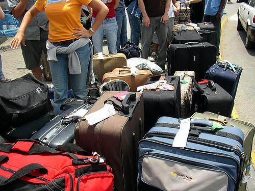 英国维珍航空增加行李重量 中国留学生可带69kg行李
