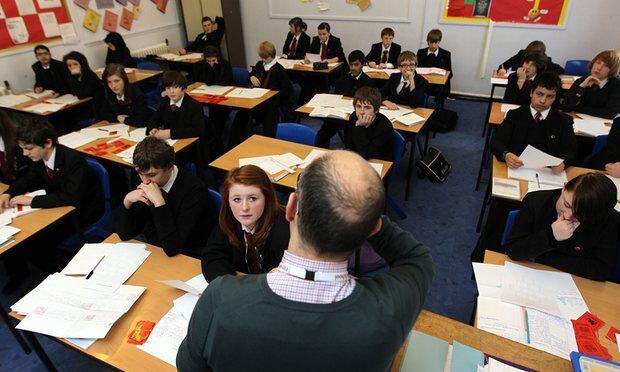 """重金招聘教师 英国中学如今依然面临""""教师荒"""""""