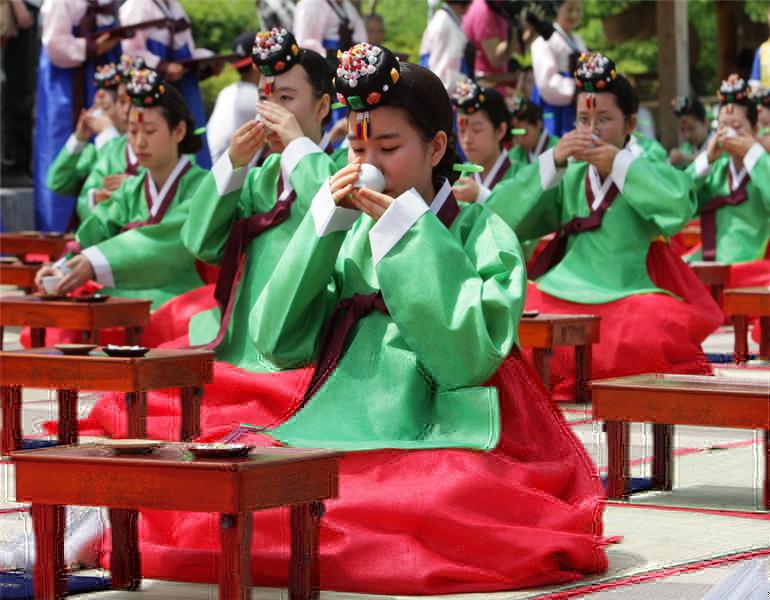 韩国留学生月赚100万不是问题 这些地方你值得一试