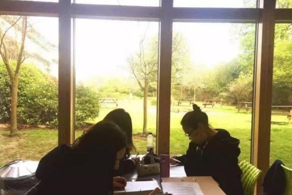 在英国S&C女子高中上学是一种怎样的体验