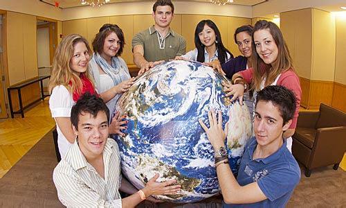 美国高中留学优势多 更容易上常青藤