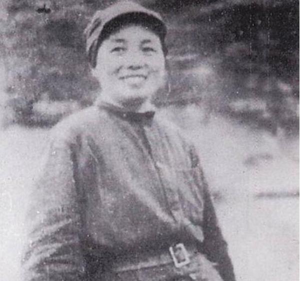 红军女将张琴秋:留学莫斯科,带五百女兵俘虏一个团