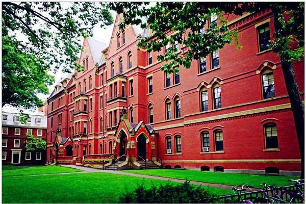 哈佛大学成亿万富豪加工厂 从亿万富豪看大学的意义
