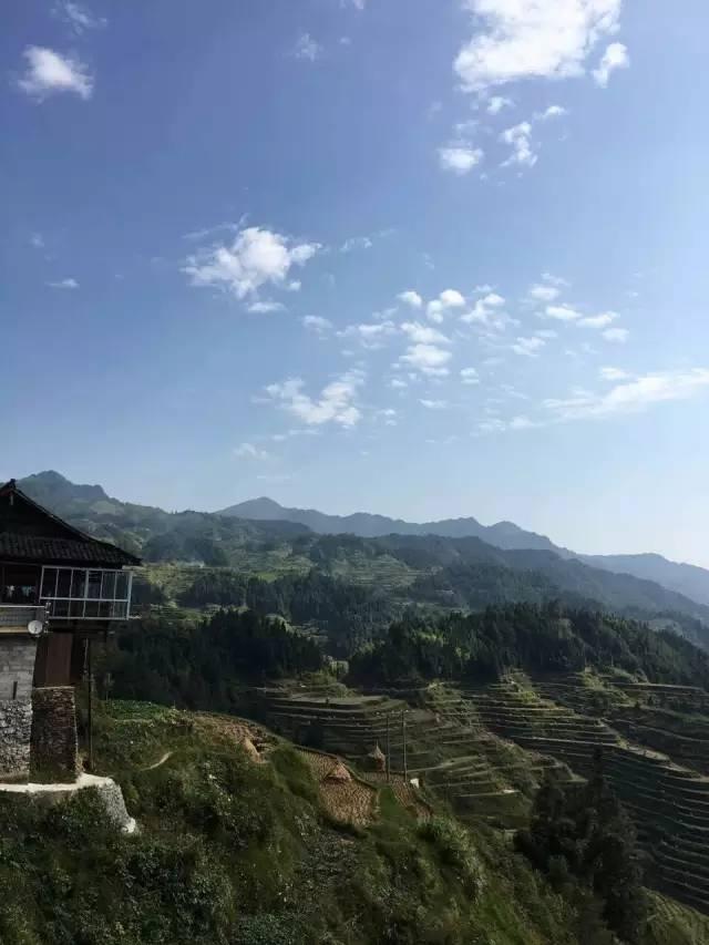 上海枫叶国际学校高一女生探访贵州苗寨